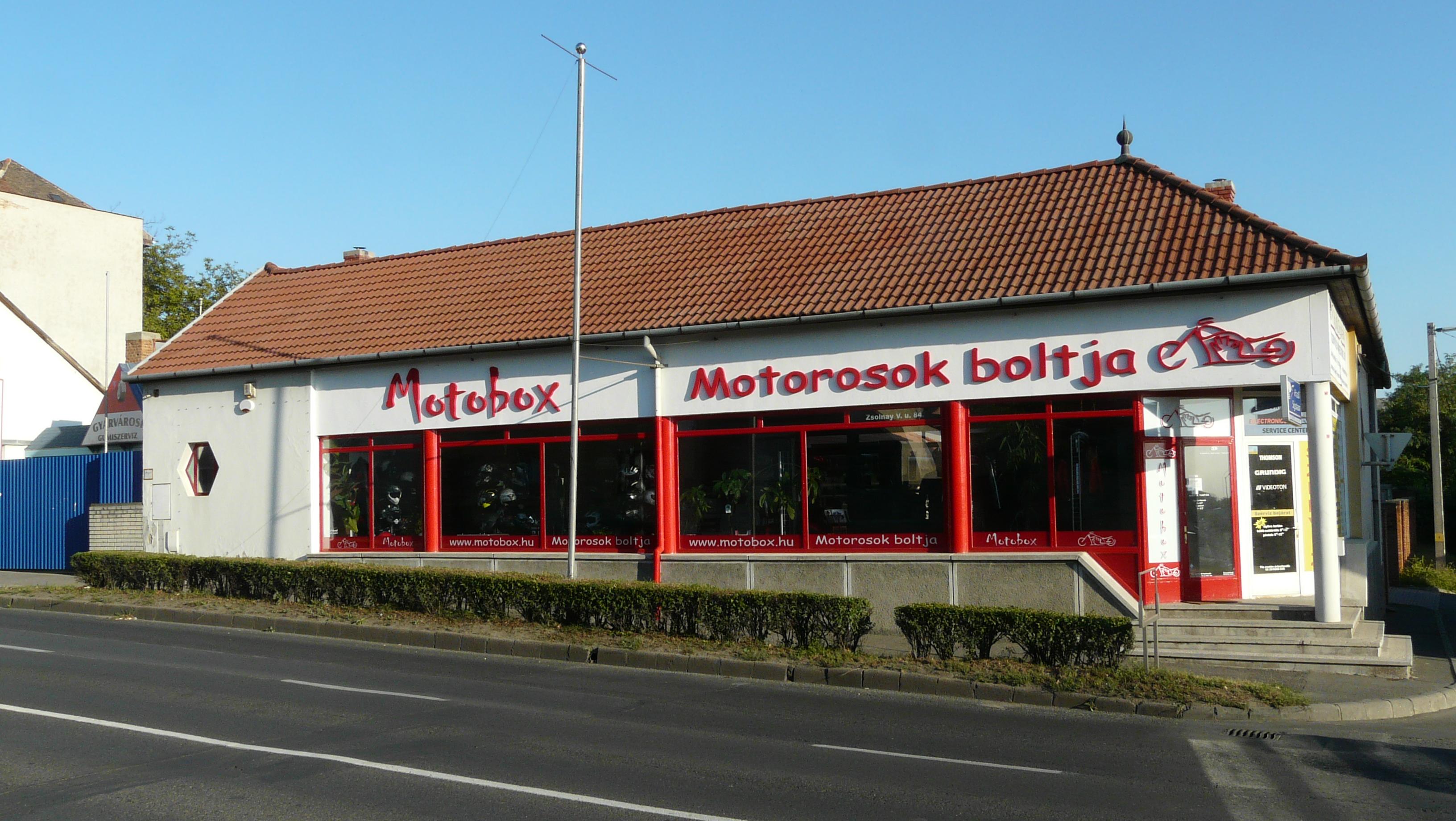 Motobox Motorosok boltja