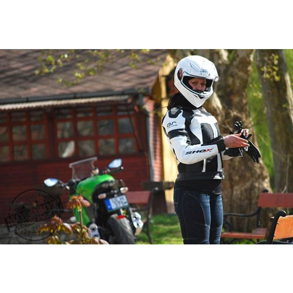 First motoros női bőrzseki több színben